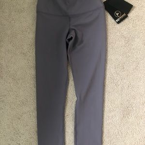 Athletic ankle length leggings